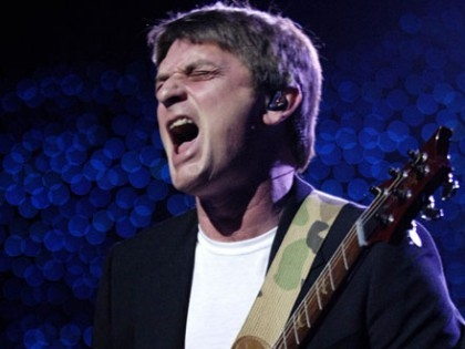 Mike_Oldfield_20160617_19_small.jpg